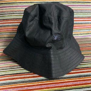 Burberry London black hat (E28)